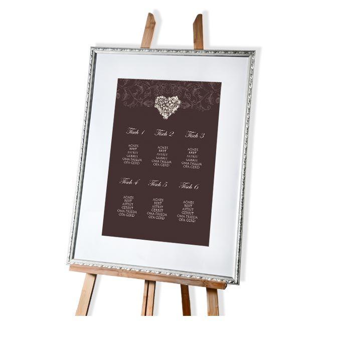 Großer Tischplan zur Hochzeit in Braun mit floralem Design