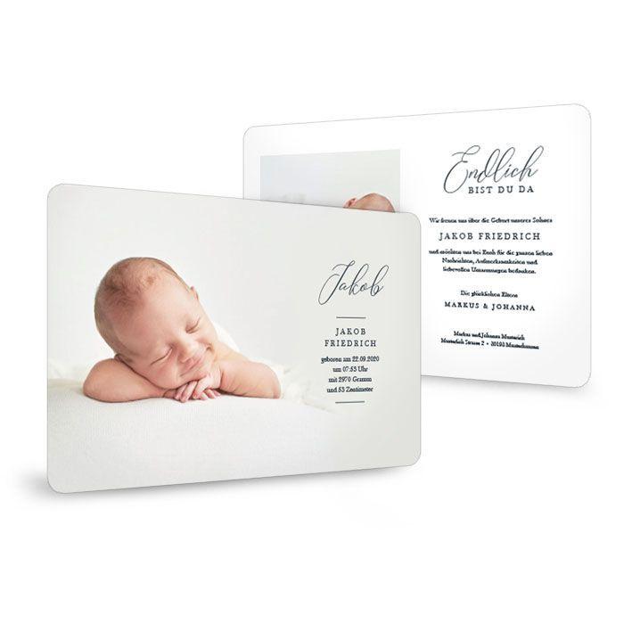 Geburtskarte mit abgerundeten Ecken und dekorativer Schrift