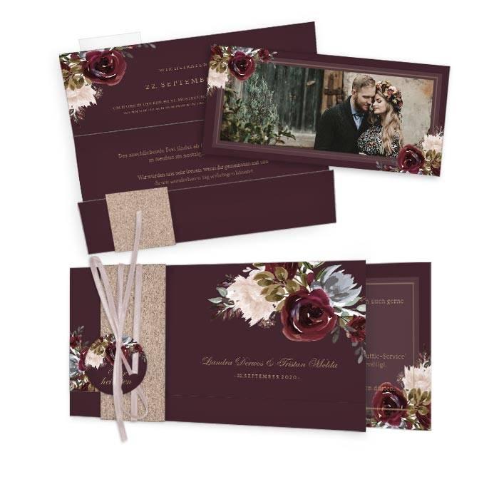 Einladung zur Hochzeit mit Rosen im Aquarellstil in Burgunder
