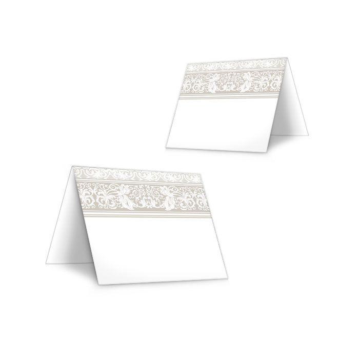 Elegante Tischkartezur Hochzeit mit barocken Elementen