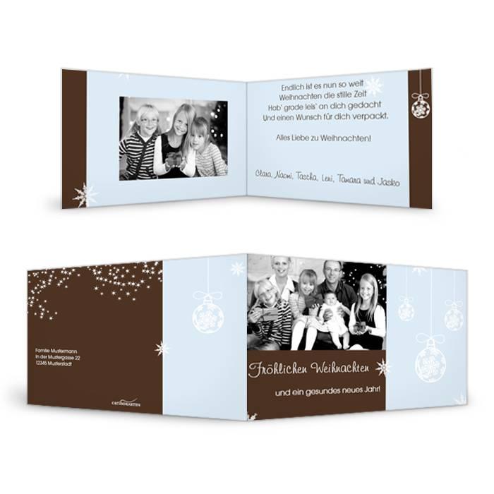 Elegante Weihnachtskarte mit Christbaumkugeln in Hellblau