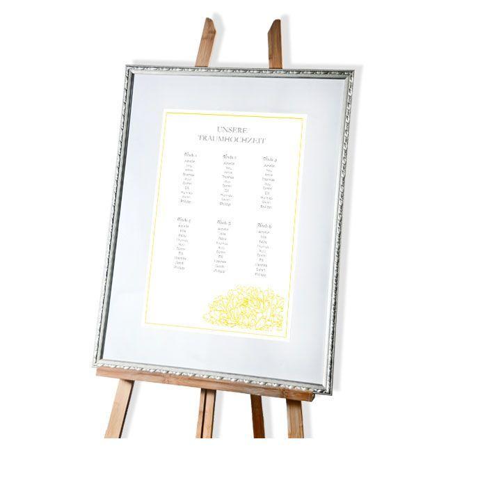 Großer Tischplan zur Hochzeit mit Pfingstrosendesign in Gelb