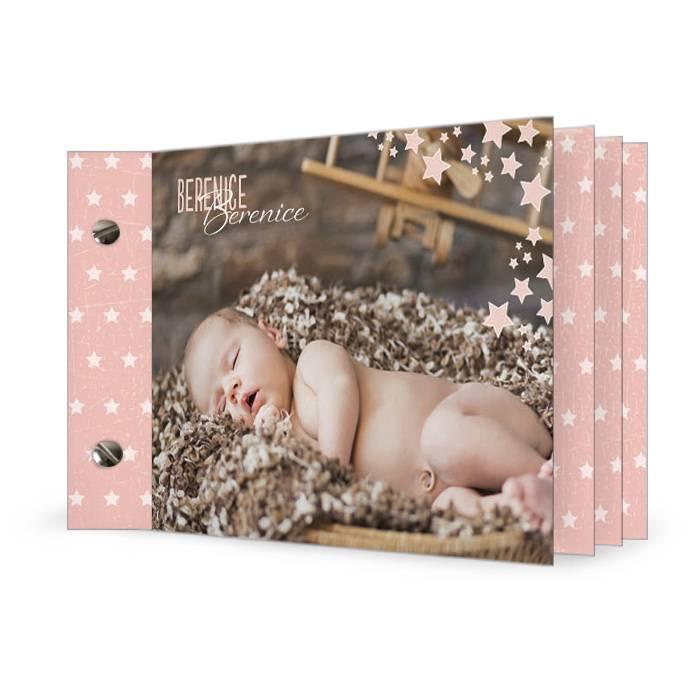 Moderne Geburtskarte in Apricot mit Punkten als Booklet
