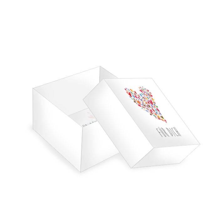 Kleine Geschenkbox zur Hochzeit mit bunten Aquarell Herzen