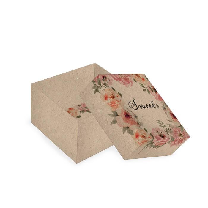 Kleine Geschenkbox im vintage Kraftpapierstil mit Rosendesign