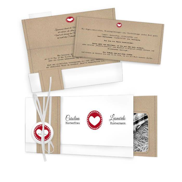 Süße Hochzeitseinladung mit rotem Herz und Kraftpapier-Look