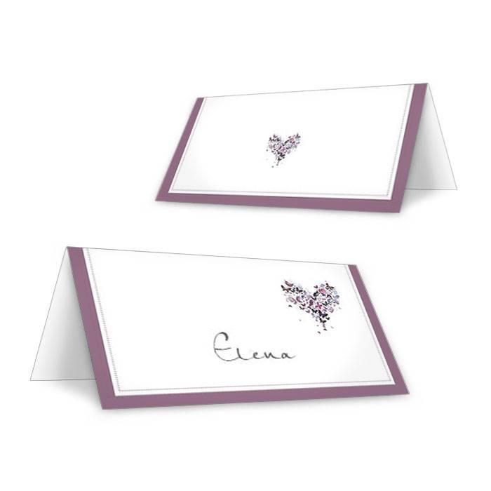 Tischkarten zur Hochzeit mit Herz aus lila Schmetterlingen