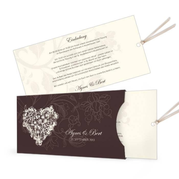 Einladung zur Hochzeit als Einsteckkarte mit floralem Herz