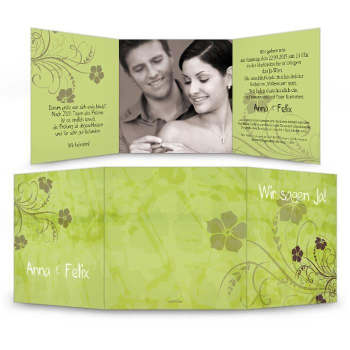 Hochzeits Einladungskarte in Grün mit floralem Muster