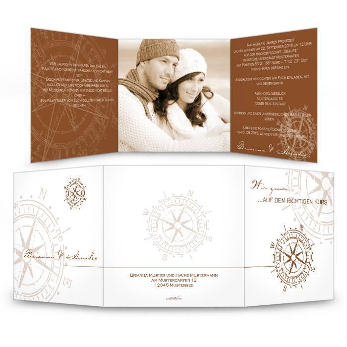Braune Hochzeitseinladung im maritimen Design als Wickelfalz