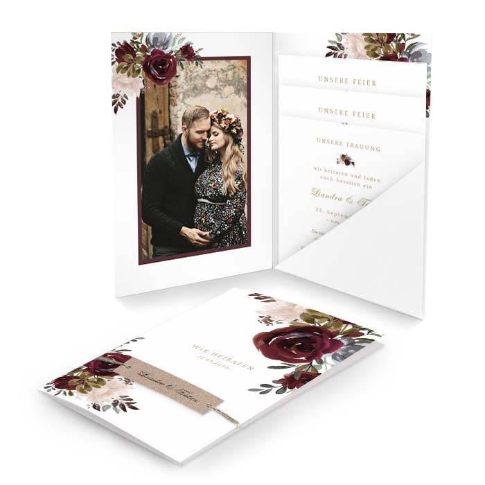 Hochzeitseinladung als Pocketfold mit Rosen in Burgunder