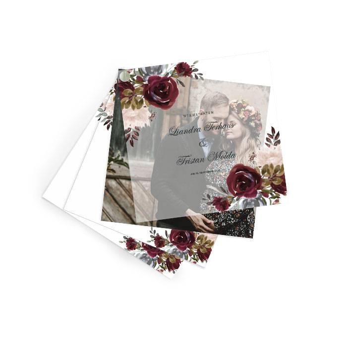 Hochzeitseinladung mit Aquarellrosen auf Transparentpapier