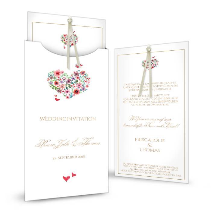 Hochzeitseinladung mit Herz aus Blüten als Einsteckkarte