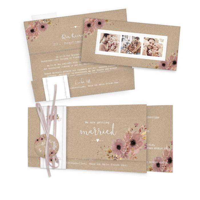 Romantische Hochzeitseinladung im Kraftpapierstil mit Blumen