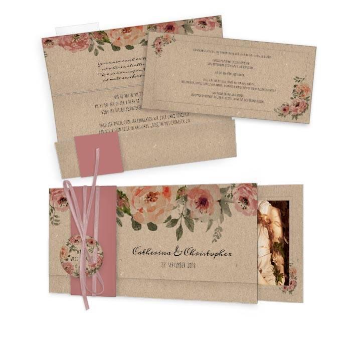Vintage Hochzeitseinladung im Kraftpapierstil mit Blüten
