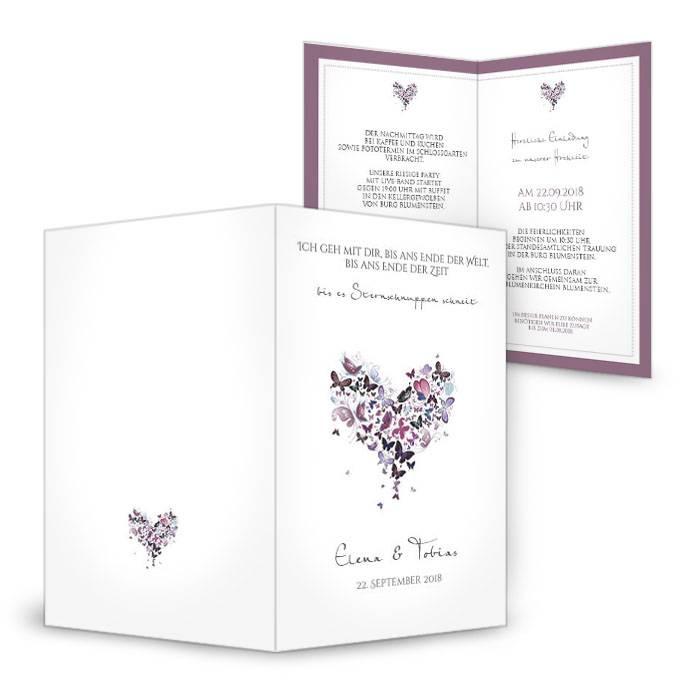 Hochzeitseinladung mit einem Herz aus Schmetterlingen in Lila