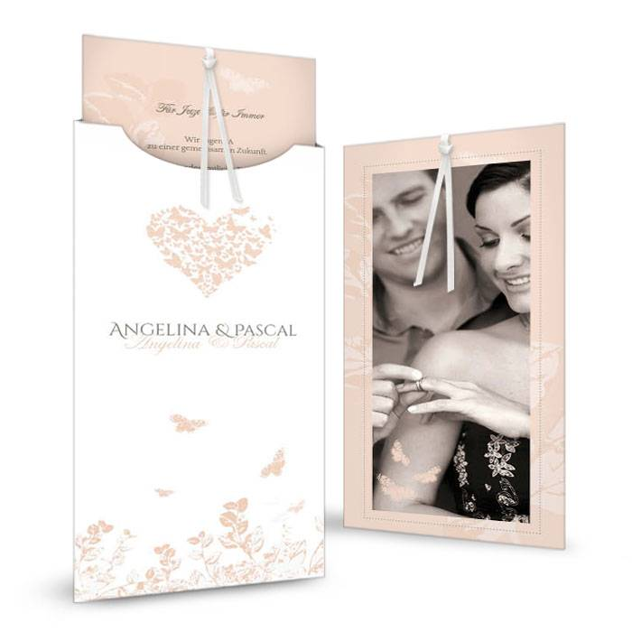 Einladung zur Hochzeit mit Schmetterlingsherz in Apricot
