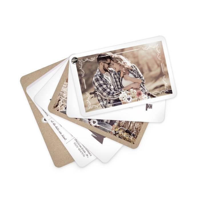 Hochzeitseinladung als Kartenfächer: Schlüssel zum Herzen