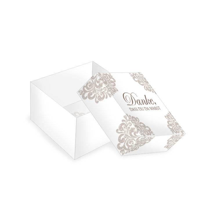 Elegante kleine Geschenkboxen mit barockem Ornament in Taupe