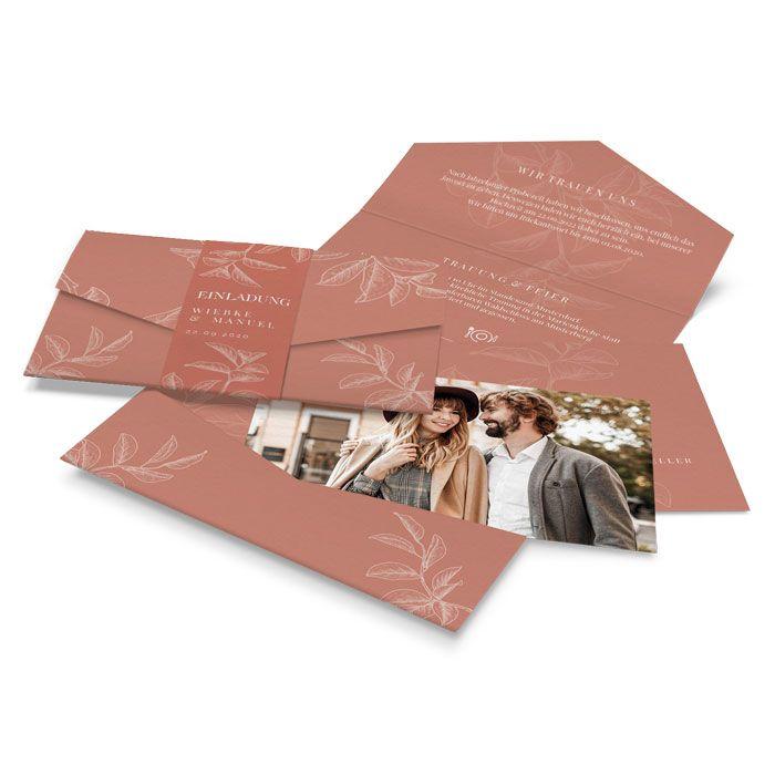 Moderne Hochzeitseinladung Pocket in Terracotta mit floraler Zeichnung
