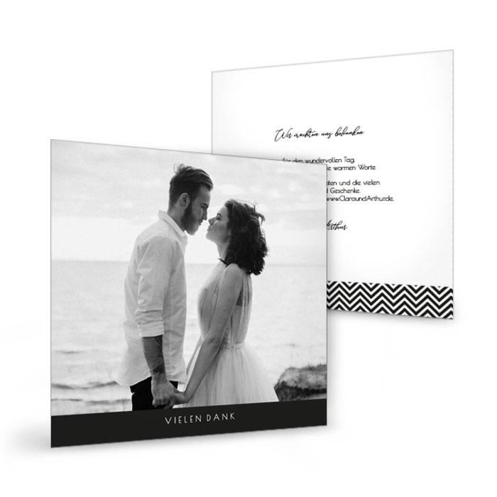 Hochzeitsdanksagung im quadratischen Format in Schwarzweiß