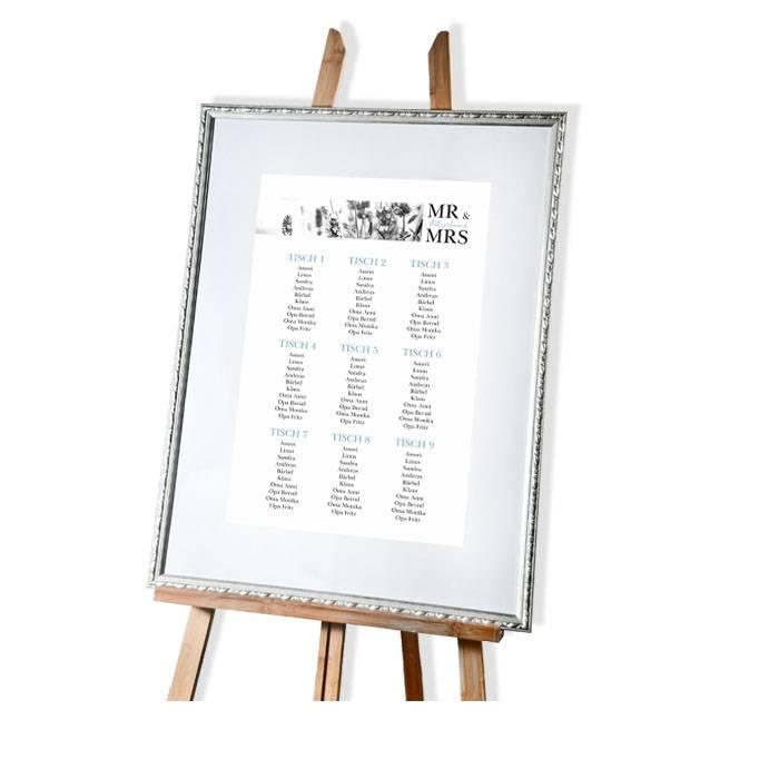 Moderner Tischplan mit verschiedenen Schriften