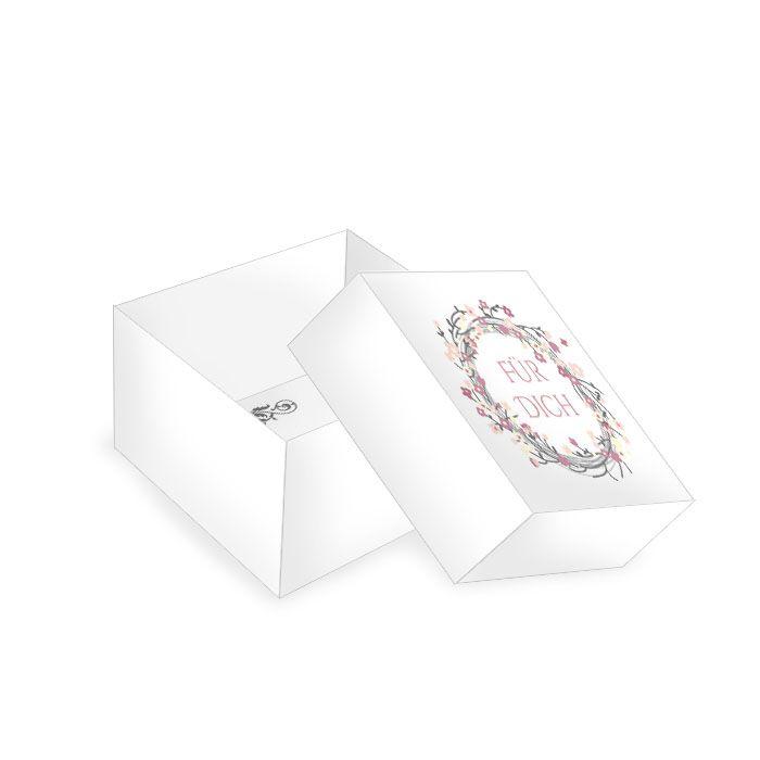 Kleine Geschenkbox für Gastgeschenke zur Hochzeit mit Blüten