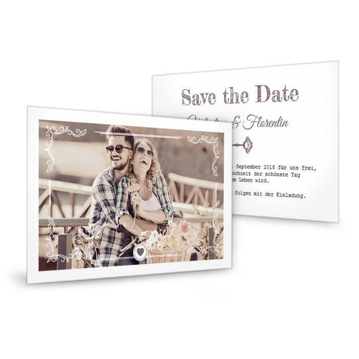 Save the Date Karte mit großem Foto, Herz und Schlüssel