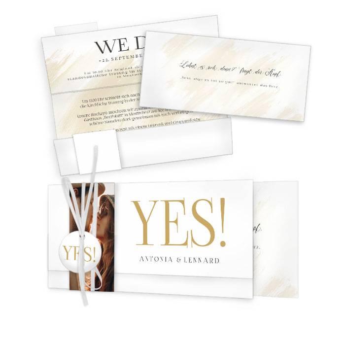 Schlichte Hochzeitseinladung mit großem YES Schriftzug