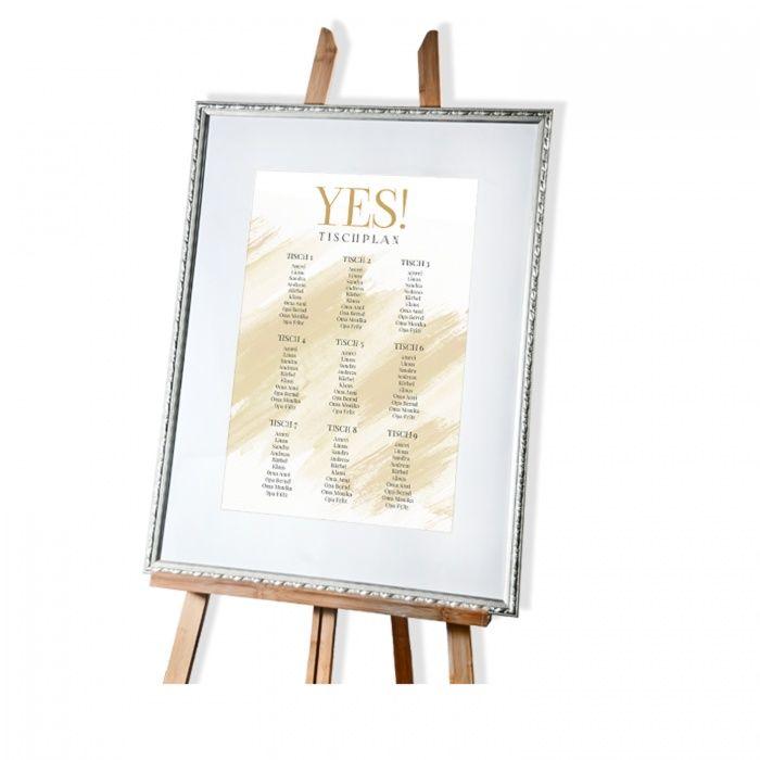 Schlichter Tischplan mit goldfarbenen YES Schriftzug