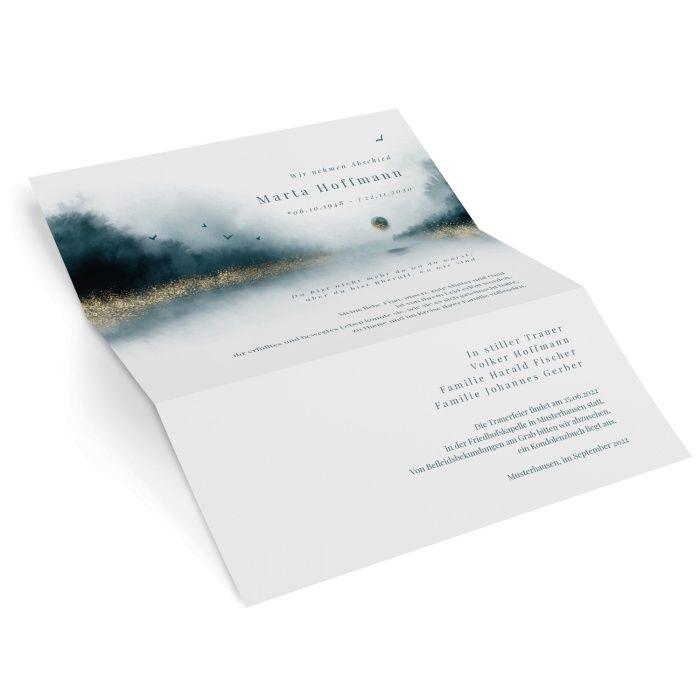 Stillvoller Trauerbrief mit Aquarell Landschaft in sanften Blautönen