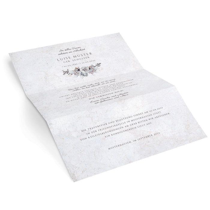 Stilvoller Trauerbrief mit Blumenbouquet in Grautönen