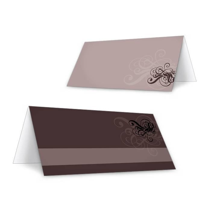 Romantische Tischkarte zur Hochzeit in Braun mit Schnörkeln