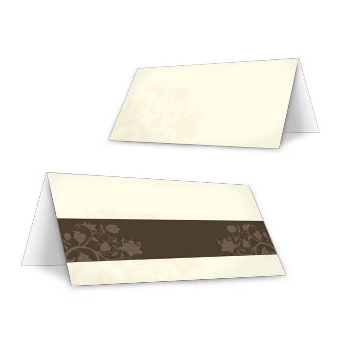 Tischkarten zur Hochzeit mit floralem Muster in Creme