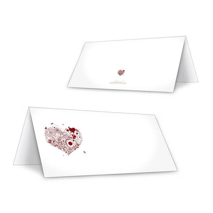 Tischkarte zur Hochzeit in Weiß mit floralem Herz in Rot