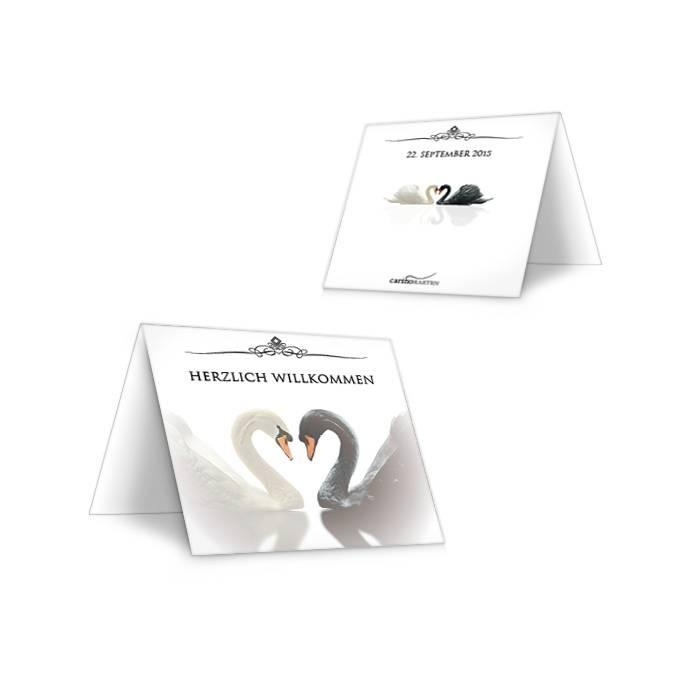 Elegante klassische Tischkarte zur Hochzeit mit Schwänen