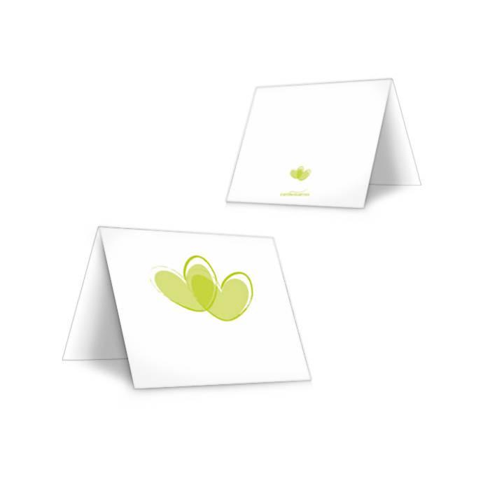 Moderne Tischkarten zur Hochzeit mit Herzen in Grün
