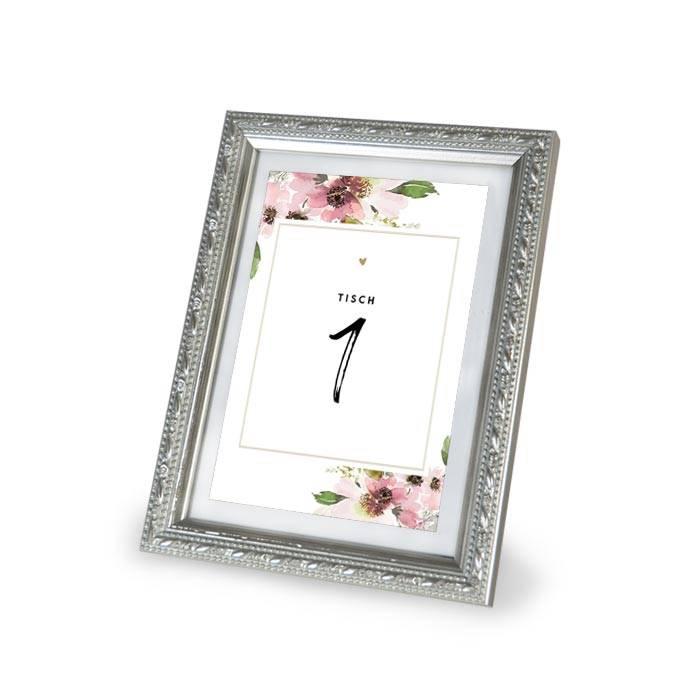 Tischkarte mit Tischnummern und floralem Aquarelldesign