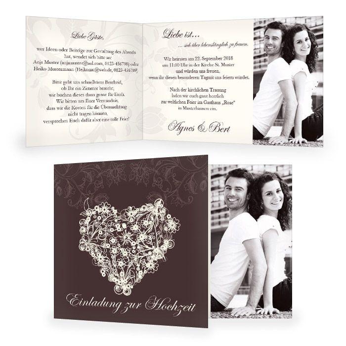 Einladung zur Hochzeit mit floralem Herz in Dunkelbraun