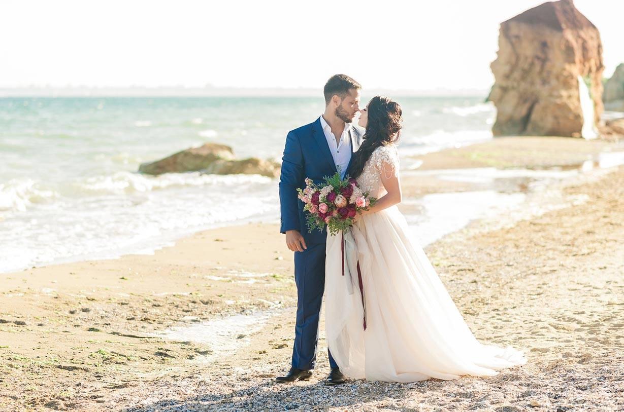 Die Hochzeit am Strand - carinokarten - trofalena - Fotolia.com
